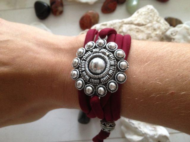 Modi armband met grote Zeeuwse knop