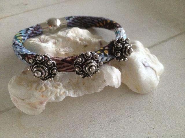 Aztec armband met Zeeuwse knop schuiver