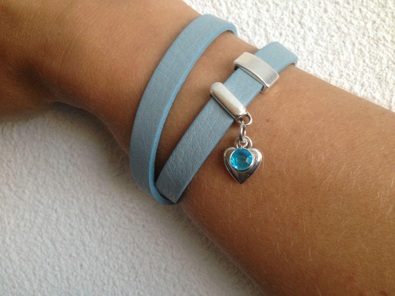 Dubbele leren armband met schuifbedels