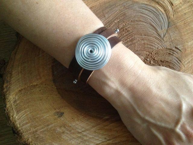 Leren armband met alu wire